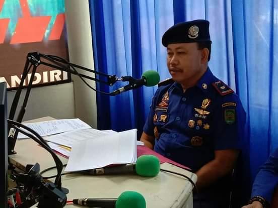 Melalui Radio Kadis DPKP Inhil Sosialisasi Hadapi Kebakaran di Rumah